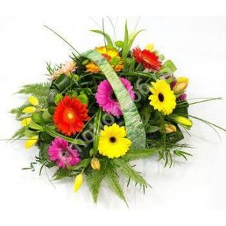 Корзинка с цветами-15