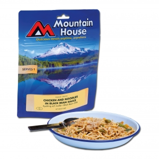 Курица Mountain House с макаронами в соусе из чёрной фасоли
