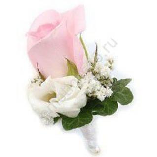 Бутоньерка роза и эустома