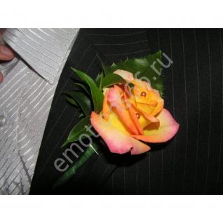 Бутоньерка с розой-7