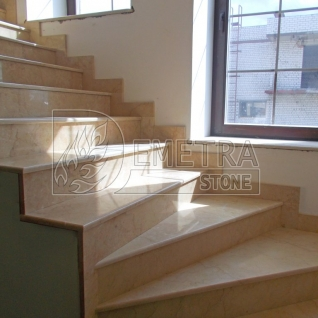 Лестница из мрамора (Поворотная)
